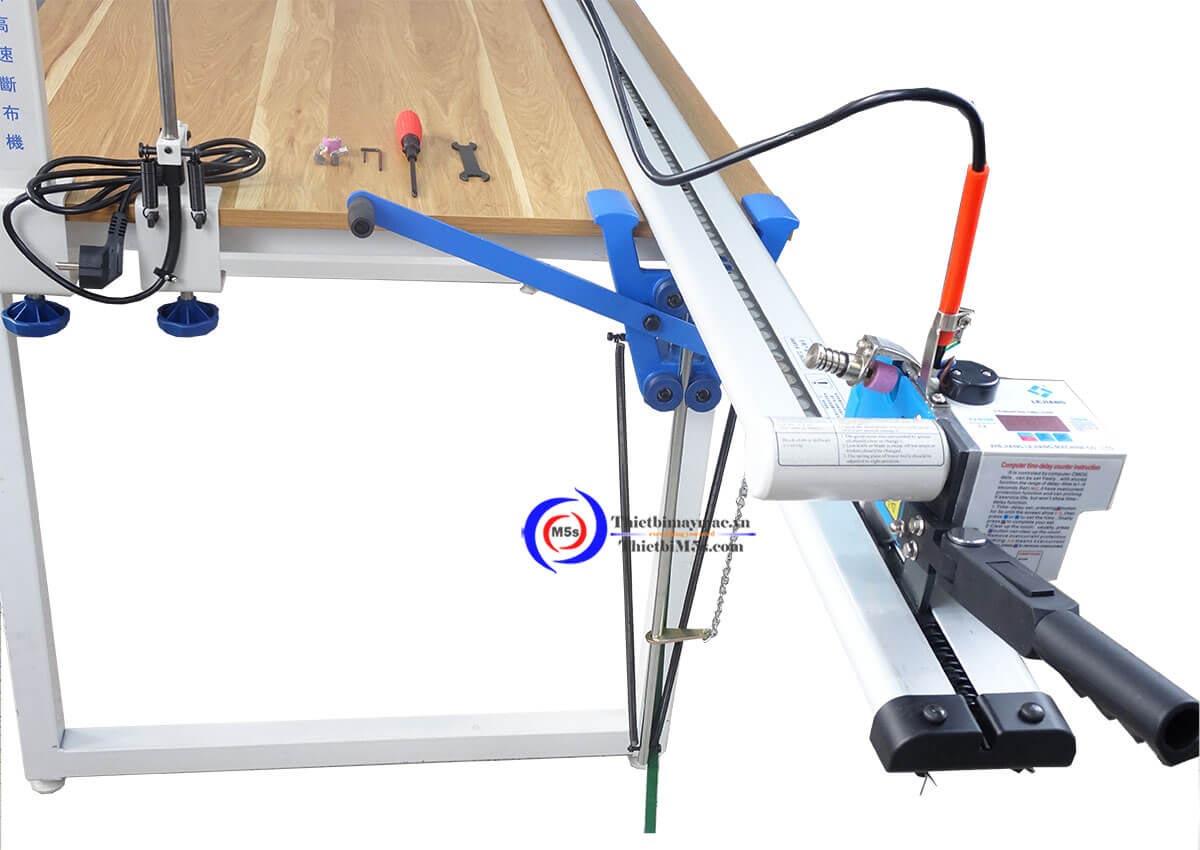 Máy cắt vải đầu bàn Lejiang YJ- D108